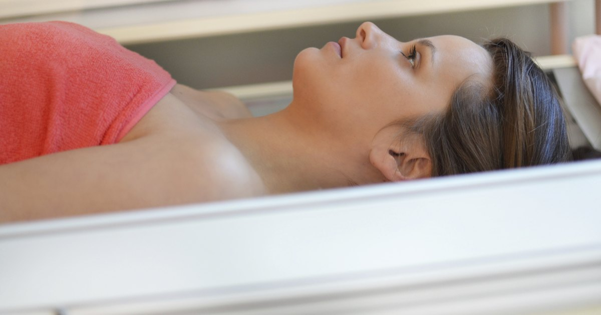 negative effects on tanning beds Rebuttal to negative effects of tanning beds many people see individuals who use the tanning bed too much and think that tanning indoors is bad for them when in reality there are many benefits to indoor tanning.