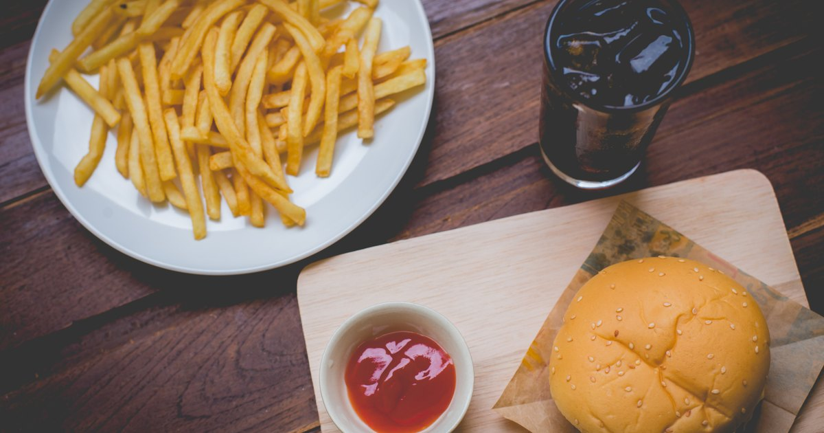 """disadvantages fast food But what advantages and disadvantages does fast food have 9 thoughts on """" fast food for and against essay second draft """" nataneva says:."""