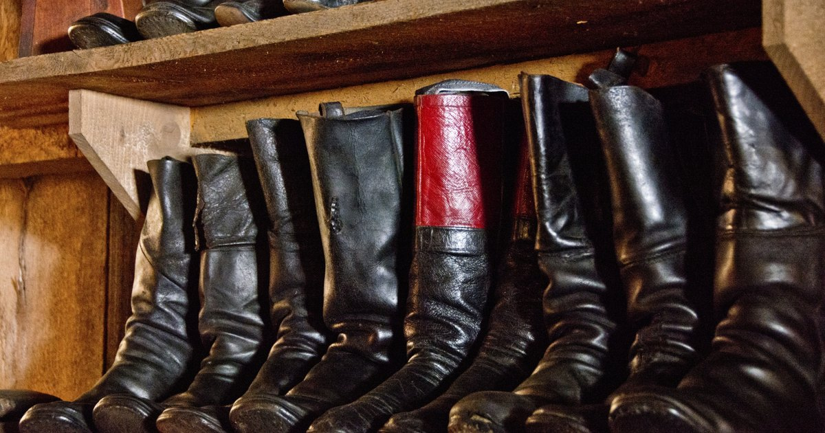 how to stretch leather boot calves