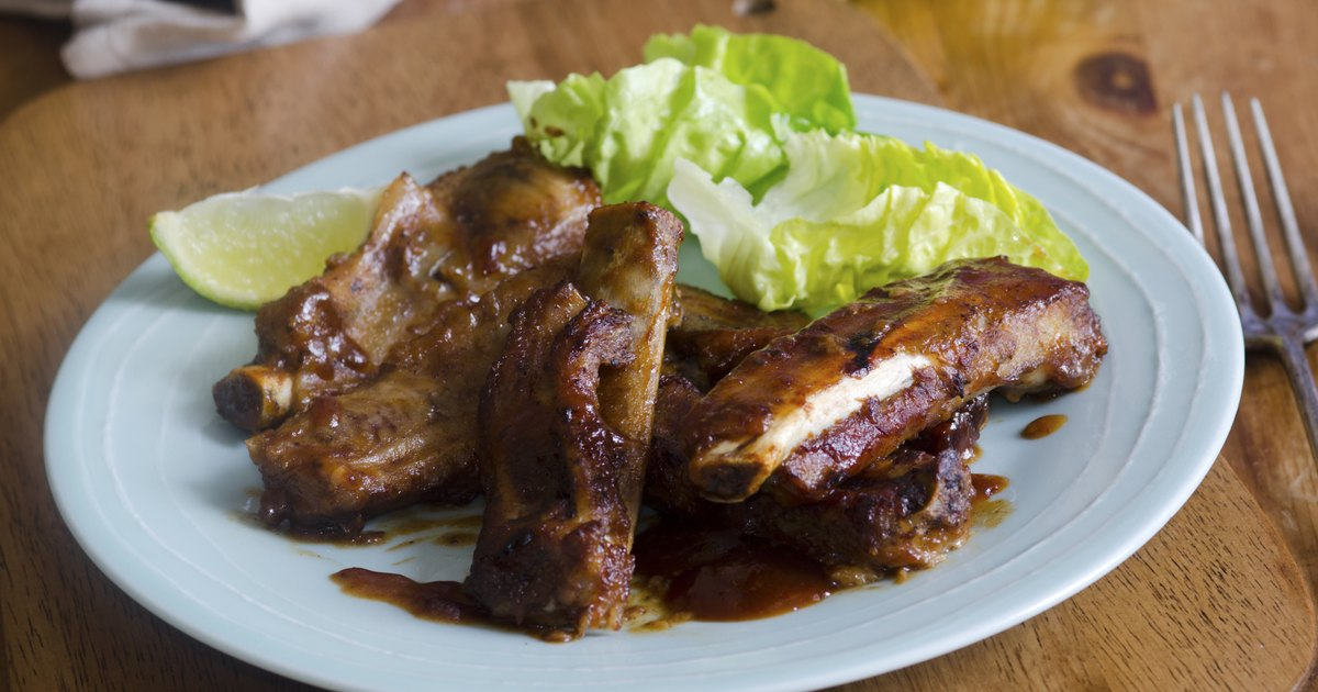 How to Marinate & Dry Rub Beef Ribs | LIVESTRONG.COM