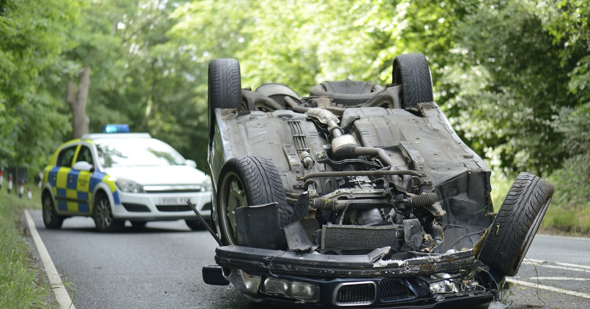 car accident cause and effect Car accident defined and explained with examples a collision that occurs when a vehicle collides with another vehicle, a stationary object, or a person weather and road conditions are a common cause of many car accidents, but many accidents are caused by failure of a driver to keep his attention to.