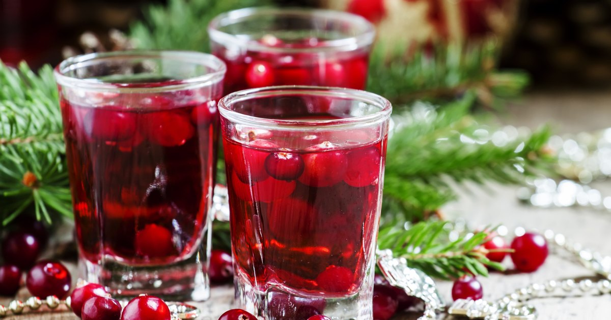 Why Women Should Drink Cranberry Juice