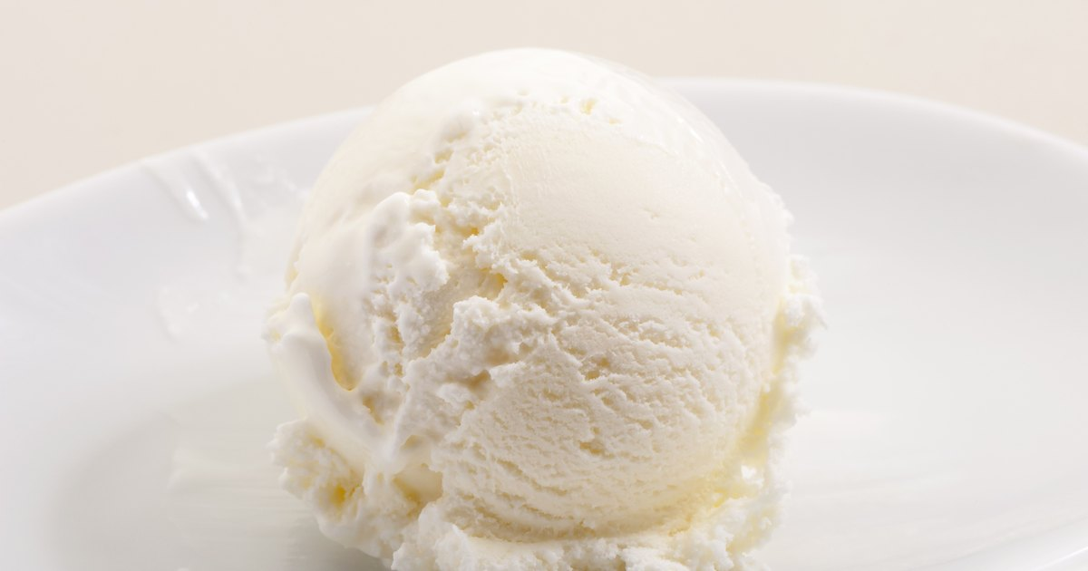 How to Make Vanilla Ice Cream With Sweetened Condensed Milk & No Eggs