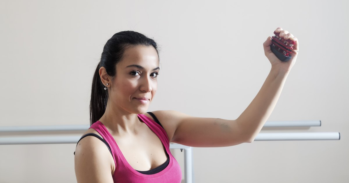 How to Exercise With Hand Grips