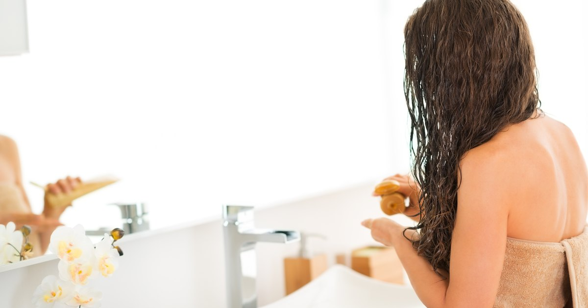 Why Does My Hair Fall Out When I Wash It? | LIVESTRONG.COM