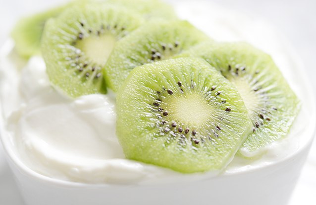 Kiwi & Yogurt Breakfast Bowl