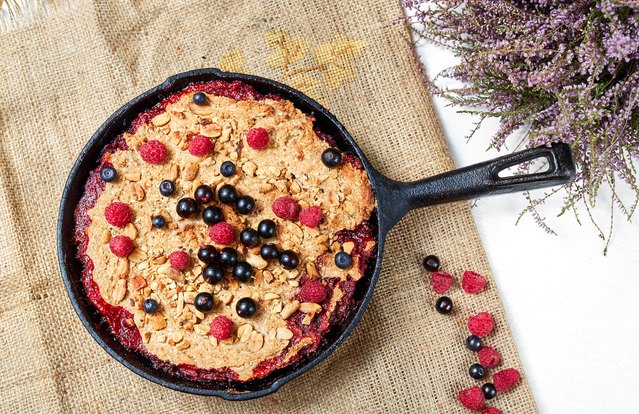Steel-Cut Oatmeal Berry Breakfast Bake