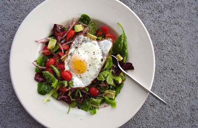 California Breakfast Salad