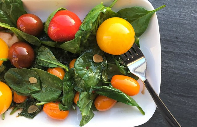 Cherry Tomato and Spinach Salad Saute