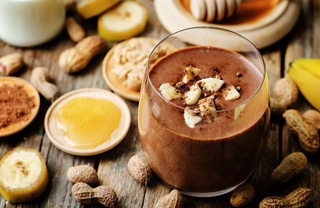 Peanut Butter-Banana-Cocoa Smoothie