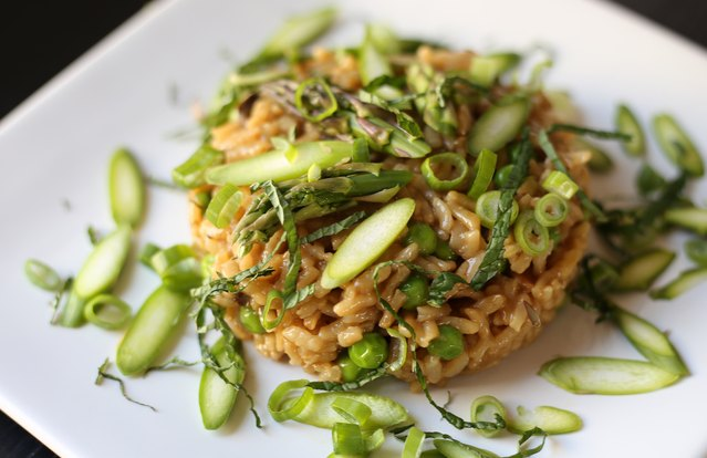Instant Pot Risotto with Dried mushrooms, Asparagus, Peas and Spring Onions