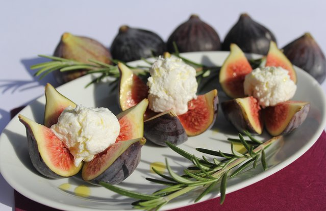 Goat Cheese Stuffed Figs