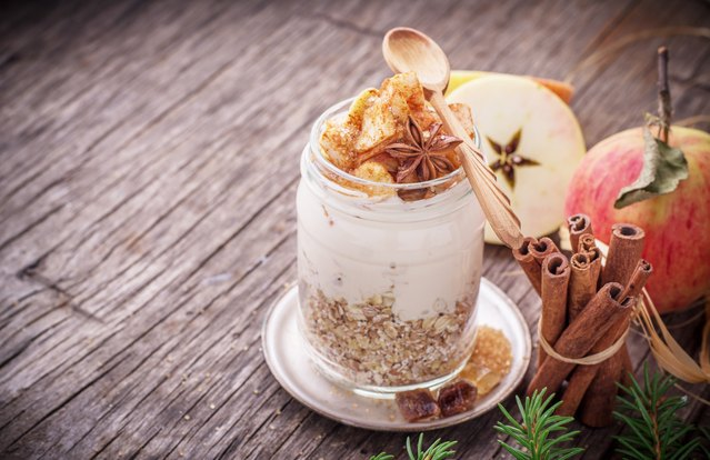 Overnight Apple Pie Protein Oats