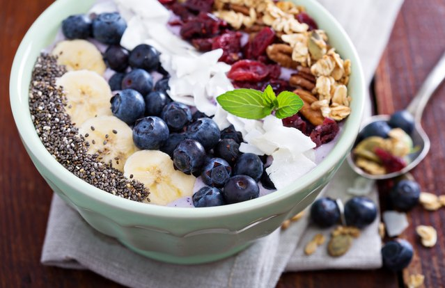 Blueberry-Banana Crunch Smoothie Bowl