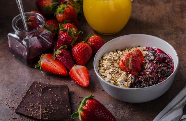 Dark-Chocolate-Covered Strawberry Oatmeal