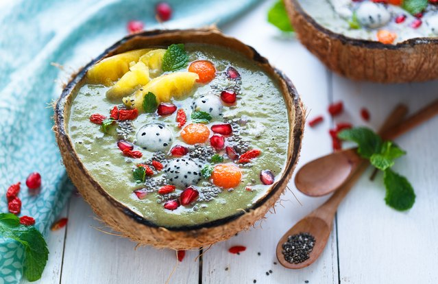 Tropical Superfood Smoothie Bowl