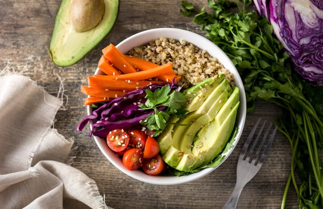 Spicy Rainbow Quinoa Buddha Bowl