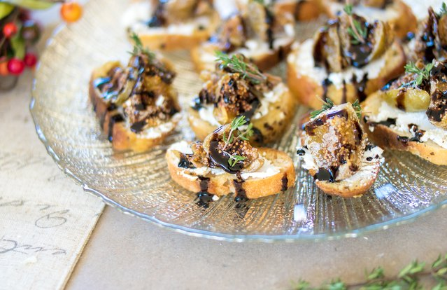 Sweet Fig and Goat Cheese Crostinis