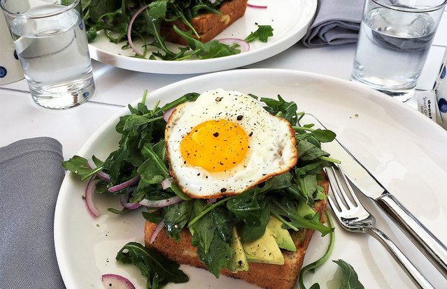 Grilled Cheese Sandwiches With Avocado, Arugula and Fried Egg