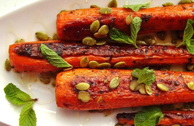 Roasted Carrots with Pumpkin Seeds and Mint