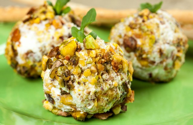 Pistachio-Crusted Goat Cheese Ball