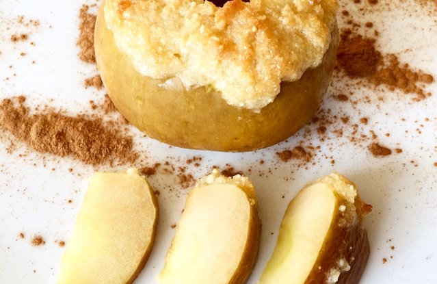 Paleo Cobbler Baked Apples