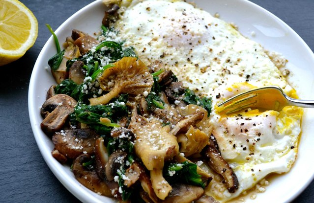 Wild Mushroom and Baby Spinach Egg Skillet