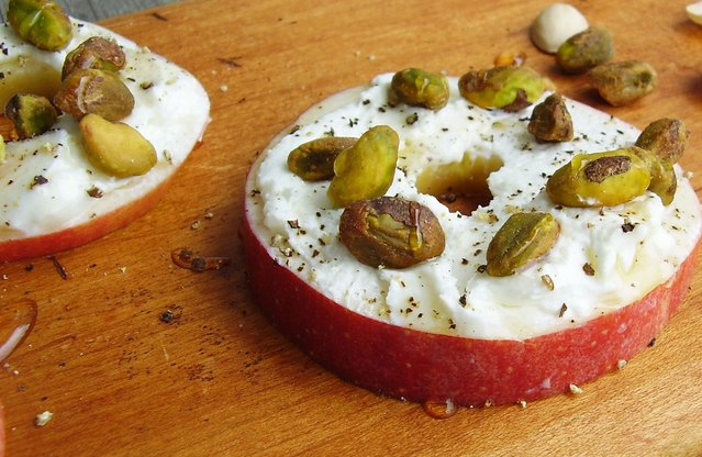 Apple Rounds with Goat Cheese and Pistachios