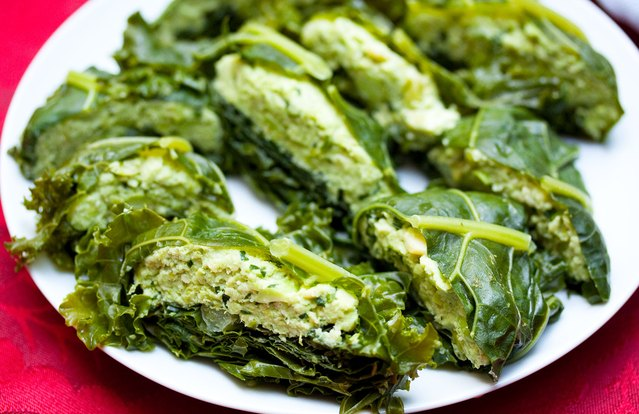 Kale Pockets With Edamame Spread