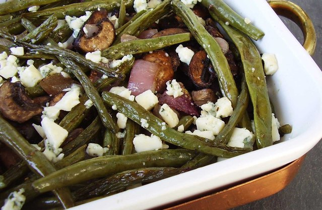 Roasted Green Beans, Mushrooms, and Onion