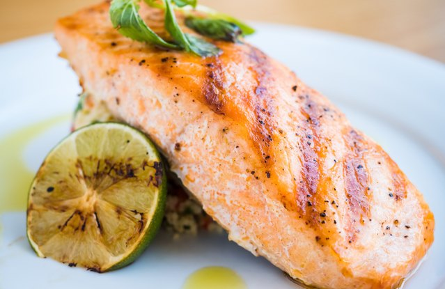Grilled Sweet-n-Spice Salmon With Rice