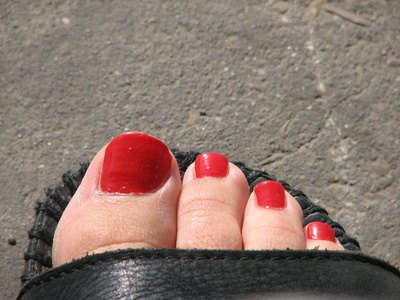 Why Do Toe Nails Turn Yellow?