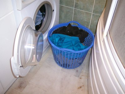 What Are the Benefits of a Steam Washer & Dryer?
