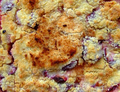 The classic crumble topping is crunchy and rich.