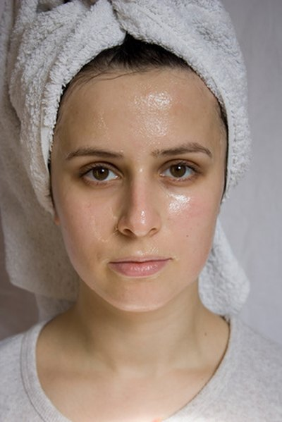 How to Wash Your Face When You Take Accutane
