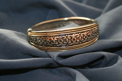 What Are The Benefits Of Wearing Copper Bracelets