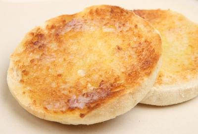Toasted English muffin.
