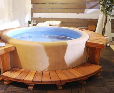 What Are the Benefits of Salt Water Hot Tubs? | LIVESTRONG.COM