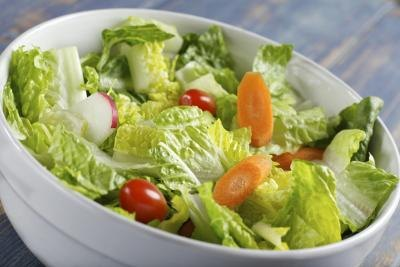 Romaine lettuce contains high amounts of vitamin A.