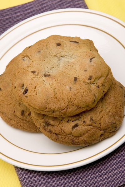 One study showed a link between fast-acting sugar like that in chocolate chip cookies and short-term concentration.