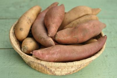 Sweet potatoes contain complex carbohydrates.