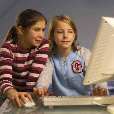 How the Internet Helps Improve Social Skills for Teens