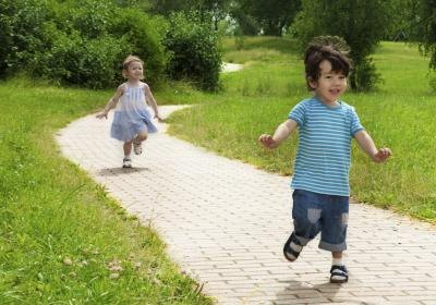 What Are Some Physical Development Activities for Preschool Children?