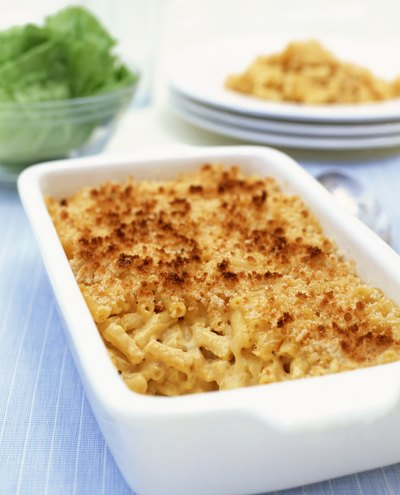 How to Bake Mac & Cheese With a Bread Crumb Crust