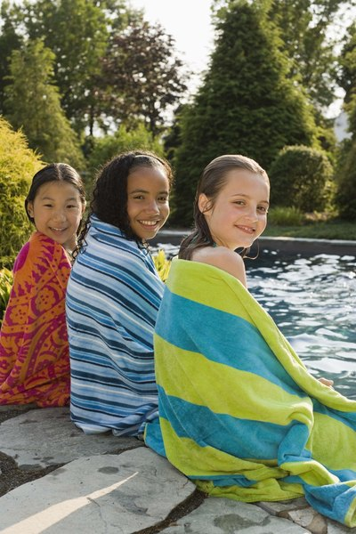 Sharing a towel after swimming can transmit scabies.