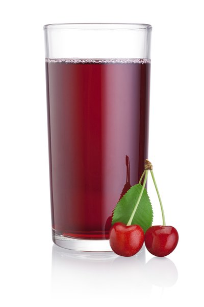 Differences Between Tart Cherry and Black Cherry Juice