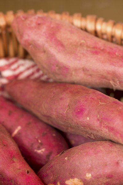How to Cook Yams on the Grill