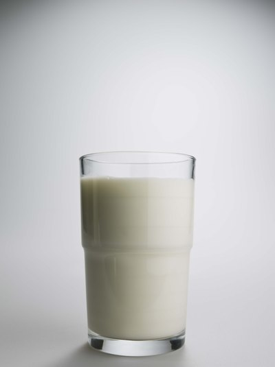 Skim Milk Vs. Raw Milk