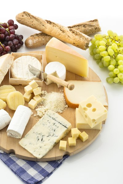 How Much Protein Is in an Ounce of Cheese?