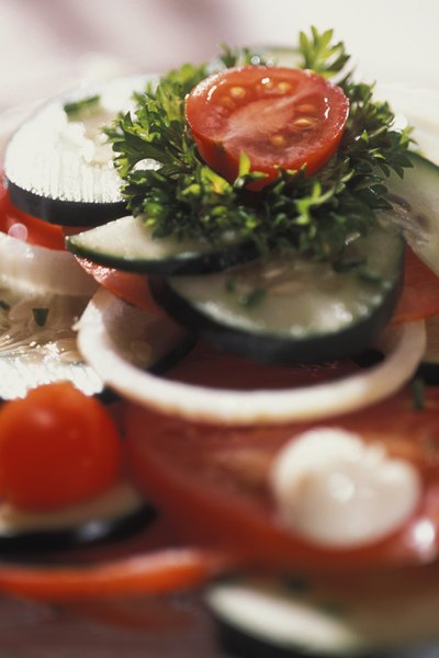 What Are Benefits of Greek Salad?